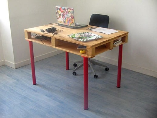 creative desk made from pallets