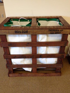 Lundry Basket Made Out Of Wooden Pallets
