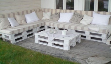 pillows on pallets